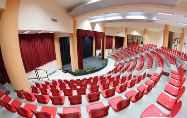 """Castiglione Cosentino (CS) –  Il teatro """"Il Piccolo"""", festeggia il nuovo anno e la nuova stagione con un Direttore Artistico al femminile"""