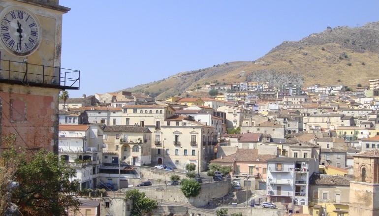 Cassano all'Ionio (CS) –  Affidato in comodato d'uso gratuito, il Fiat Doblò, regalato all'ente, per scopi sociali.