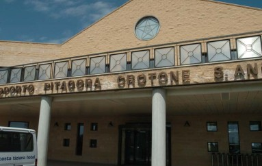 Crotone – Aeroporto dal futuro incerto;  Tante le domande a cui nessuno dà risposte