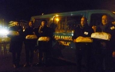 Corigliano (CS) – La Fidelitas dona i dolci tipici di carnevale ai bambini della Casa Famiglia