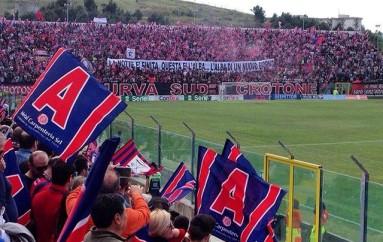 SPORT – Serie B – Crotone Calcio – Esodo pitagorico a Modena stasera per entrare nella storia