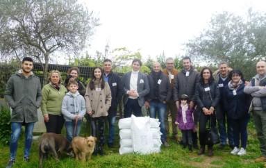 Corigliano Calabro (CS): L'Asoociazione Fidelitas dona un quintale di mangime per cani
