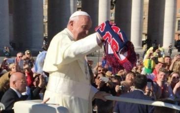 SPORT – Calcio – Serie B – Crotone – La febbre per la prima promozione storica in Serie A contagia persino Papa Francesco