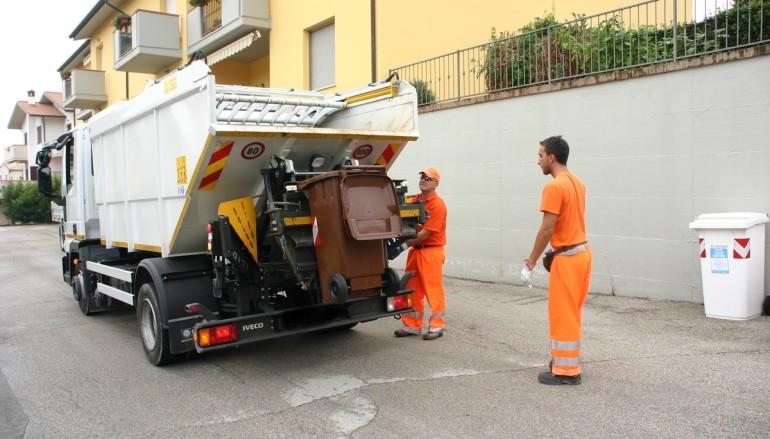 Rossano (CS): SERVIZIO RIFIUTI, COMUNE FUORI DA VERTENZA SALARI