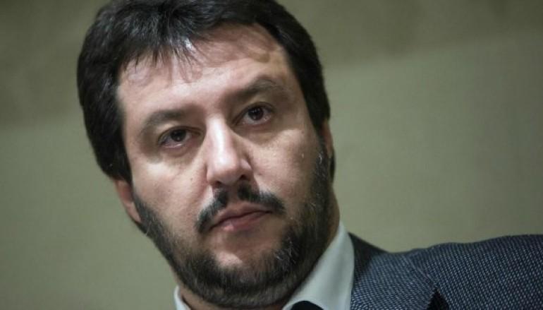 Rossano (CS): Salvini aspettava rose rosse?
