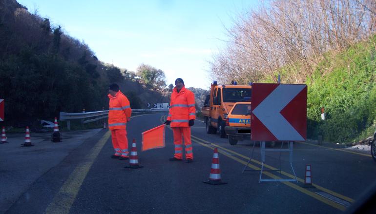 Calabria – ANAS, proseguono interventi di adeguamento sicurezza sulla SS106 jonica nei comuni di Calopezzati e di Crosia