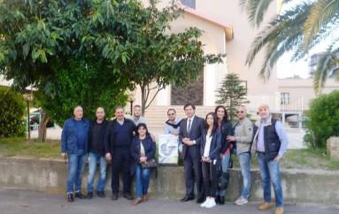 Corigliano Calabro (CS): L'Associazione Fidelitas dona un set di pentole ad una famiglia russa