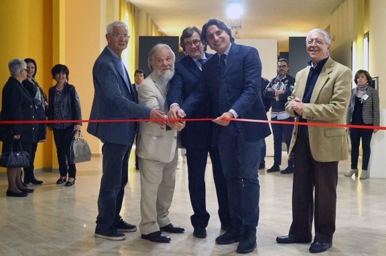 """Rende (CS): Museo del Presente – Taglio del nastro per una mostra dedicata all' """"Astrattismo Totale"""""""
