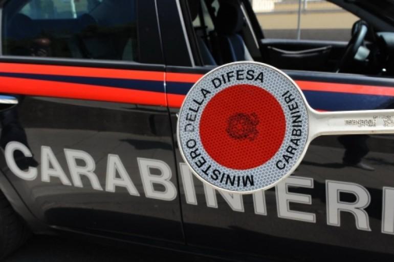 Reggio Calabria: Non si ferma all'alt dei carabinieri, arrestato