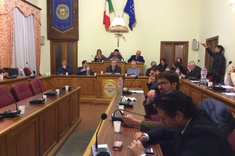 Corigliano: offensiva contro l'assessore Capalbo