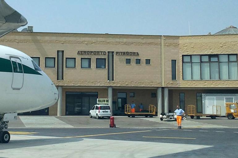 Il triste caso dell'Aeroporto di Crotone
