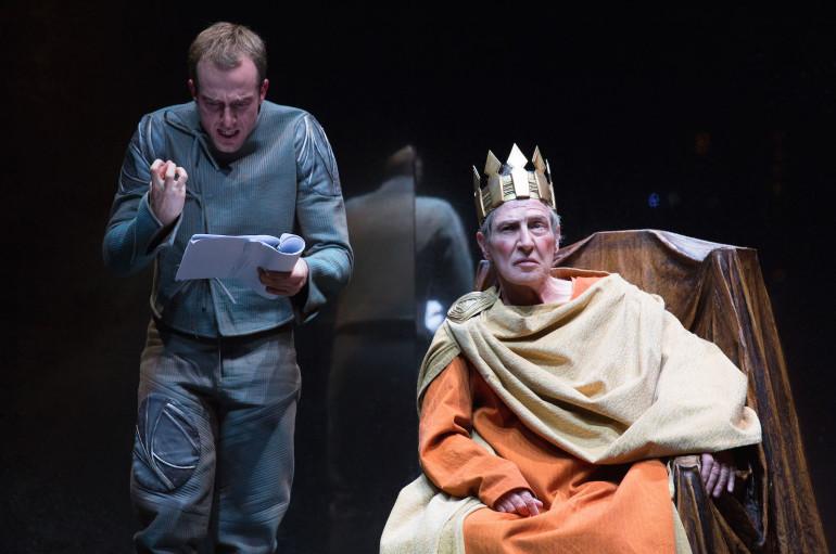 """""""Enrico IV"""" in scena al Tau, Carlo Cecchi porta in scena Pirandello"""