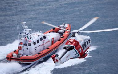 Capitaneria di porto e vigili del fuoco uniti per festeggiare la patrona Santa Barbara