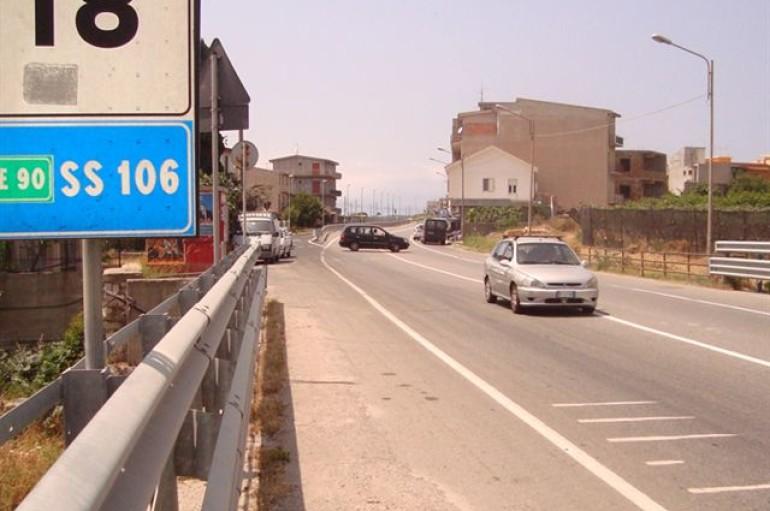 Ennesimo incidente mortale sulla SS106: lascia una moglie e 2 figli piccoli