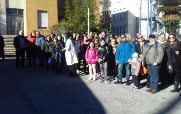 I bambini dell'Ospedale Civile Annunziata in Piazza San Pietro per l'accensione  dell'Albero dei Desideri