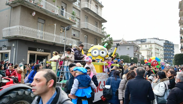 Rossano, le creazioni di Ricicl'Art conquistano il Carnevale